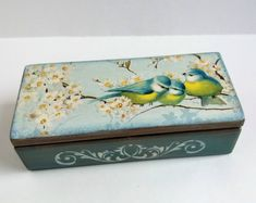 Jewelry storage box Wooden box Spring flowers Bird Small wood box Birds wood box Keepsake box Gift f Kids Jewelry Box, Wooden Jewelry Boxes, Decoupage Box, Decoupage Vintage, Vintage Accessories, Home Accessories, Personalised Wooden Box, Wooden Kitchen Signs, Wooden Spoon Crafts