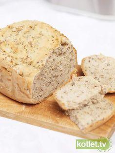 Chleb z maszyny z ziarnami