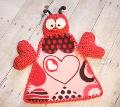 Repeat Crafter Me: Crochet Love Bug Lovey Blanket