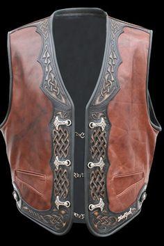 100% Blockhead - Unique Handmade Biker Lederweste / Leather Vest Thors Saga Leather Carving, Leather Art, Leather Tooling, Leather Vest Outfit, Fashion Wear, Mens Fashion, Biker Vest, Vest Outfits, Band Merch