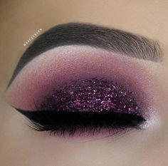 """33.2 mil Me gusta, 67 comentarios - Morphe Brushes (@morphebrushes) en Instagram: """"🔮 Purple perfection🔮  @makeupbyan used our our 35B palette for this dreamy look. The palette is…"""""""