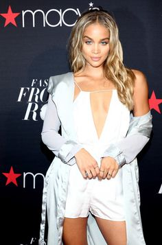 Jasmine Sanders Photos Photos - Actress Jasmine Sanders attends Macy's Presents…