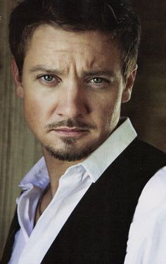 Jeremy Renner...wow.. he's like in his 40's and still looks good... REALLY good...