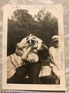 1927 Photo Kissing Couple - Kissing Picture - Buster And Glena Kissing Picture - Flapper Girl Kissin Healing Sleep Music, Couple Kissing, Man And Wife, See Photo, Movie Stars, Pin Up, Vintage Items, Couples, Etsy