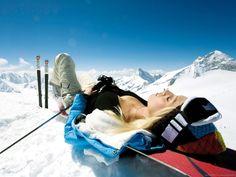Sexy Snowboard Girl Getting Some Tan HD wallpaper