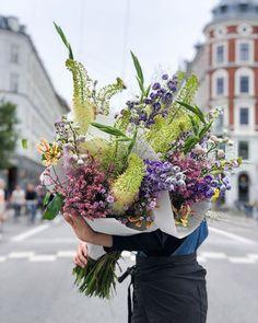 790 Summer Sun Ideas In 2021 Wedding Flowers Flower Arrangements Wedding