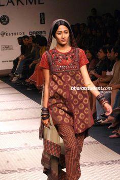 Sabyasachi's Collection at Lakme Fashion Week 2009