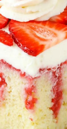This easy strawberry & vanilla cake recipe is out of this world! Homemade vanilla cake covered with fresh strawberry sauce & cream cheese whipped cream! Strawberry Vanilla Cake, Strawberry Poke Cakes, Strawberry Cake Recipes, Poke Cake Recipes, Dessert Recipes, Desserts, Strawberry Sauce, Jello Parfait, Homemade Vanilla Cake