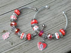 MLB STL Cardinals Fan (or NFL San Francsico 49er) bracelet with 4 hand made glass beads. Show your pride St. Louis Cardinal Nation!