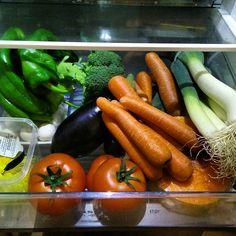 Visto así parezco un chico sano y todo... (Pero es para los purés de la peque mayormente) #comida #verduras #dietaSana