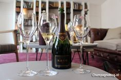 #Krug #Vintage #2003 #tasting #champagne #ChampagneBabes Krug Champagne, Cheap Wine, Flute, Lifestyle, Tableware, Vintage, Dinnerware, Tablewares, Flutes