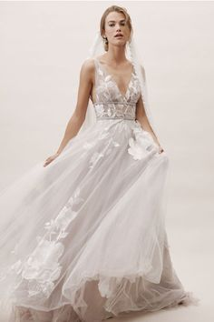Wedding Dresses 2019 Plus Size Gowns Black And Gold Wedding Dress Beautiful White Dresses Wedding Dr Western Wedding Dresses, Wedding Dresses For Girls, Bridal Dresses, Wedding Gowns, Girls Dresses, Bridesmaid Dresses, Gold Wedding, Modest Wedding, Summer Dresses
