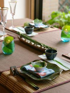 蓮のお皿 で テーブルコーディネート : リズムのある暮らし Japanese Buffet, Japanese Party, Asian Party, Come Dine With Me, Sushi Party, Dinner Party Table, Table Set Up, Deco Table, Food Photo