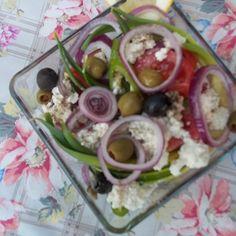 Egy finom Túrós saláta olívabogyókkal ebédre vagy vacsorára? Túrós saláta olívabogyókkal Receptek a Mindmegette.hu Recept gyűjteményében! Potato Salad, Potatoes, Ethnic Recipes, Food, Potato, Essen, Meals, Yemek, Eten