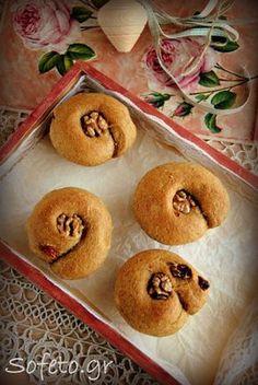 Σταφιδόψωμα ολικής αλέσεως , με ζάχαρη καρύδας! Συνταγές για διαβητικούς Sofeto Γεύσεις Υγείας Snack Recipes, Snacks, Doughnut, Bread, Cookies, Sweet, Desserts, Food, Snack Mix Recipes