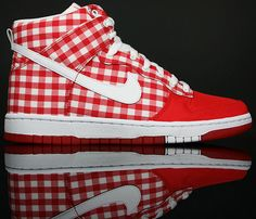 Nike Dunk High Skinny - Checkered Tablecloth (in my defence, they also come in blue)