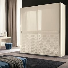 Contemporary, glossy ivory 'Chanel Great Inspiration' Wardrobe. High quality material and unique design. My Italian Living.