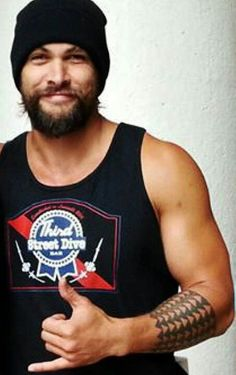 This reminds me even more of my Hawaiian! God, I love Jason Momoa! ⭐️