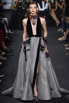 Elie Saab · Alta Costura _ Haut Couture _ Paris F/W '16-'17 Foto: © Kim WestonArnold / www.vogue.es