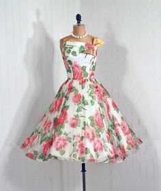 ~Dress    1950s~    Timeless Vixen Vintage