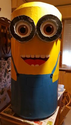 Minions, Costume, Fictional Characters, Art, Art Background, The Minions, Kunst, Costumes, Performing Arts