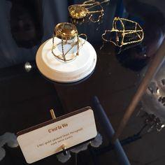 Totally luxury. Gold-plated Dom Pérignon cork!  #design #salonesatellite2016 #salonedelmobile2016 #salonedelmobile #fuorisalone #venturalambrate #milan #milano #milandesignweek #luxury #domperignon by interiors_design_blog