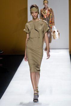 MaxMara at Milan Fashion Week Spring 2013 - Runway Photos