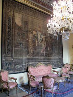 Palazzo Medici-Riccardi - First floor - Wikimedia Commons. Дворец Медичи-Риккарди (Флоренция). Первый этаж. Бальдассаре Franceschini (1611-1689). Комната на первом этаже с гобеленом.