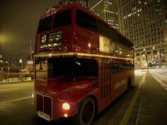 Autobús 3D modelado por Roberto Martin, alumno del Máster en 3D con Maya. Para más información sobre el máster, clica en la imagen