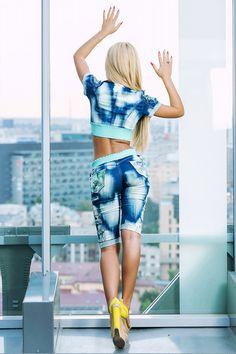 £: Completo in jeans - inserti verde acqua - scollo profondo - DENIM & LOOK SPORTIVO - Abbigliamento » Moda Mania