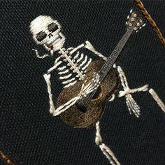 Вышитые скелеты (Diy) / Вышивка / ВТОРАЯ УЛИЦА