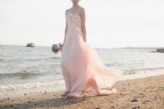 Blush gown on the beach Colored Wedding Dresses, Bridal Dresses, Modern Vintage Weddings, Blush Gown, Alternative Wedding Dresses, Bridal Beauty, Wedding Looks, Beautiful Bride, One Shoulder Wedding Dress