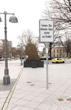 Timm Ulrichs - Lesen Sie diesen Satz nicht zu Ende! (2014)