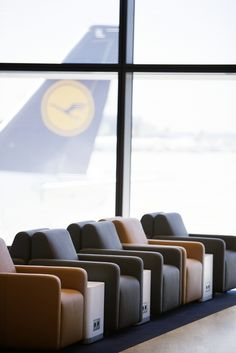 Lufthansa boasts five new lounges, including its largest in the world, at Frankfurt Airport's new A-Plus Concourse built for Lufthansa and its Star Alliance chums. A First Class Lounge, . Public Seating, Lounge Seating, Airline Reviews, Airport Design, Aircraft Interiors, Airport Lounge, Commercial Design, Restaurant Design, Glass Panels