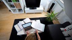 Viele Beschäftigte würden gern die Arbeitszeit reduzieren oder wünschen sich die Möglichkeit zum flexiblen Arbeiten.