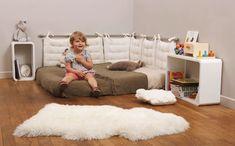 How to arrange a child& bedroom according to the Montessori pedagogy Baby Bedroom, Kids Bedroom, Room Baby, Montessori Toddler Bedroom, Playroom, Home Decor, Images, Montessori Materials, 18 Months