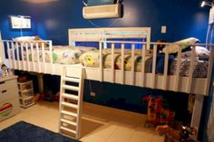 Double loft bed Do It Yourself Home projects by Ana White aufbewahrung garten kleidung kosmetik wohnen it yourself clothes it yourself home decor it yourself projects Double Loft Beds, Triple Bunk, Ideas Dormitorios, Bunk Bed Designs, Kids Bunk Beds, Bed Plans, Loft Spaces, Kid Spaces, My New Room
