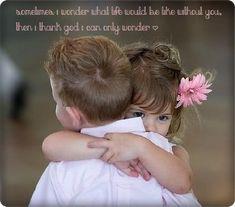 Abrazo entre niños - Hug between children True Love, My Love, Missing Someone, Wale, Les Sentiments, Young Love, Jolie Photo, Baby Kind, Dalai Lama