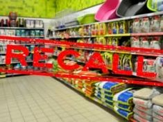 7 Pet Food Toxins Causing Most Dog Food Recalls (Based on Science) - The Best Cat Recipes Best Dog Food, Dry Dog Food, Pet Food, Fruit Dogs Can Eat, Home Remedies For Fleas, Diarrhea In Dogs, Dog Food Recall, Pet Allergies, Dog Weight