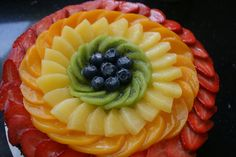 Vanillacream Cake with Fresh Fruit - Birthday Cake Fruit Ideen Fruits Decoration, Fresh Fruit Cake, Fruit Cakes, Fruit Birthday Cake, Fruit Creations, Fruit Dishes, Fruit Plate, Fruit Arrangements, Food Platters