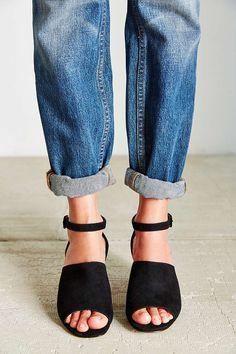 Bessie Suede Heel - Urban Outfitters