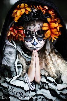 Incredible photos, so beautiful. Luciano Photography: ~ DIA DE LOS MUERTOS~ (DAY OF THE DEAD)