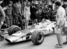 The Scottish race car driver Jim Clark on the circuit of 'Jarama'... News Photo | Getty Images