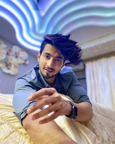 """FAISAL SHAIKH on Instagram: """"Train your mind to be calm in every situation ✌🏻 . #keepgoing #keepmotivating #kbye"""" New English School, Attitude Shayari, Dear Crush, Sweet Guys, Train Your Mind, Cute Stars, Social Media Stars, Photography Poses For Men, Team 7"""