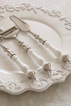 White cutlerey