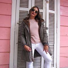 👄 Looks Instagram, White Jeans, Bomber Jacket, Photo And Video, Fashion, Pink, Moda, Fashion Styles, Bomber Jackets
