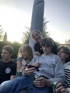 I Need Friends, Dream Friends, Cute Friends, Best Friends, Teenage Dirtbag, Foto Casual, Foto Instagram, Bff Pictures, Insta Pictures