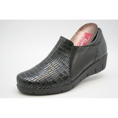 Slip On, Sneakers, Shoes, Fashion, Models, Wide Feet, Comfy Shoes, Patent Leather, Over Knee Socks