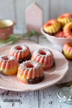 Papagáj mini kuglóf Cooking Recipes, Healthy Recipes, Garlic Bread, Macarons, Doughnut, Muffin, Bakery, Food And Drink, Sweets