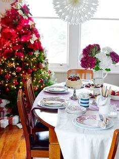 Kiwi Christmas Table - via NZ Your Home & Garden Summer Christmas, Tis The Season, Kiwi, Projects To Try, Table Settings, Home And Garden, Joy, Seasons, In This Moment